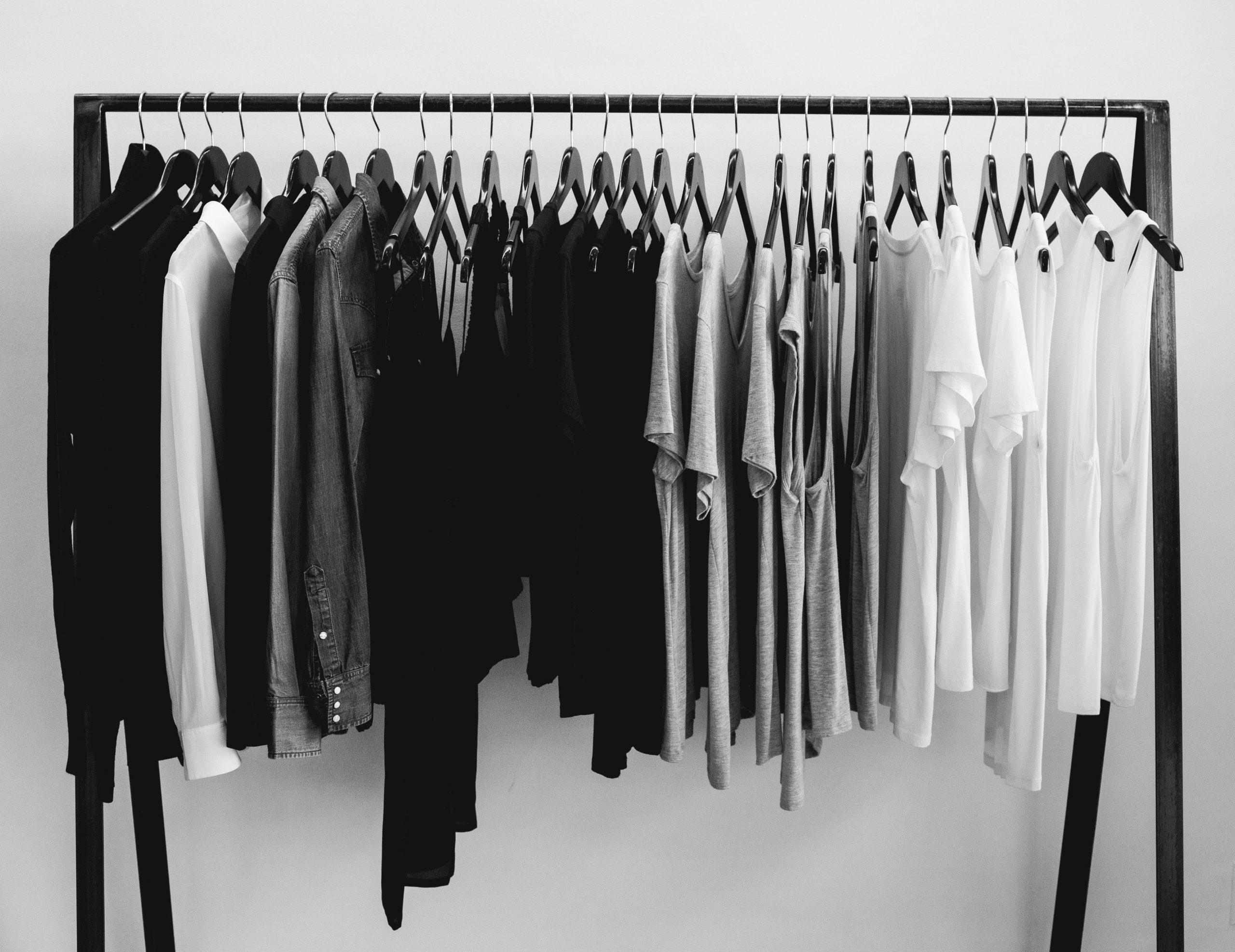 Đầu năm Tân Sửu kiêng kỵ mặt đồ màu đen và màu trắng